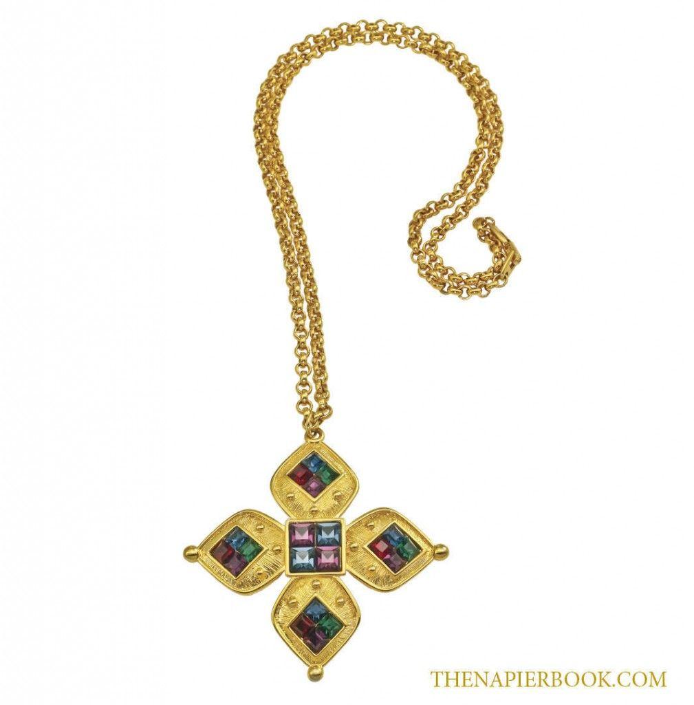 Napier Zodiac Medallion Pendant Necklace: Napier Gold-plated Galleria Collection Pendant Necklace