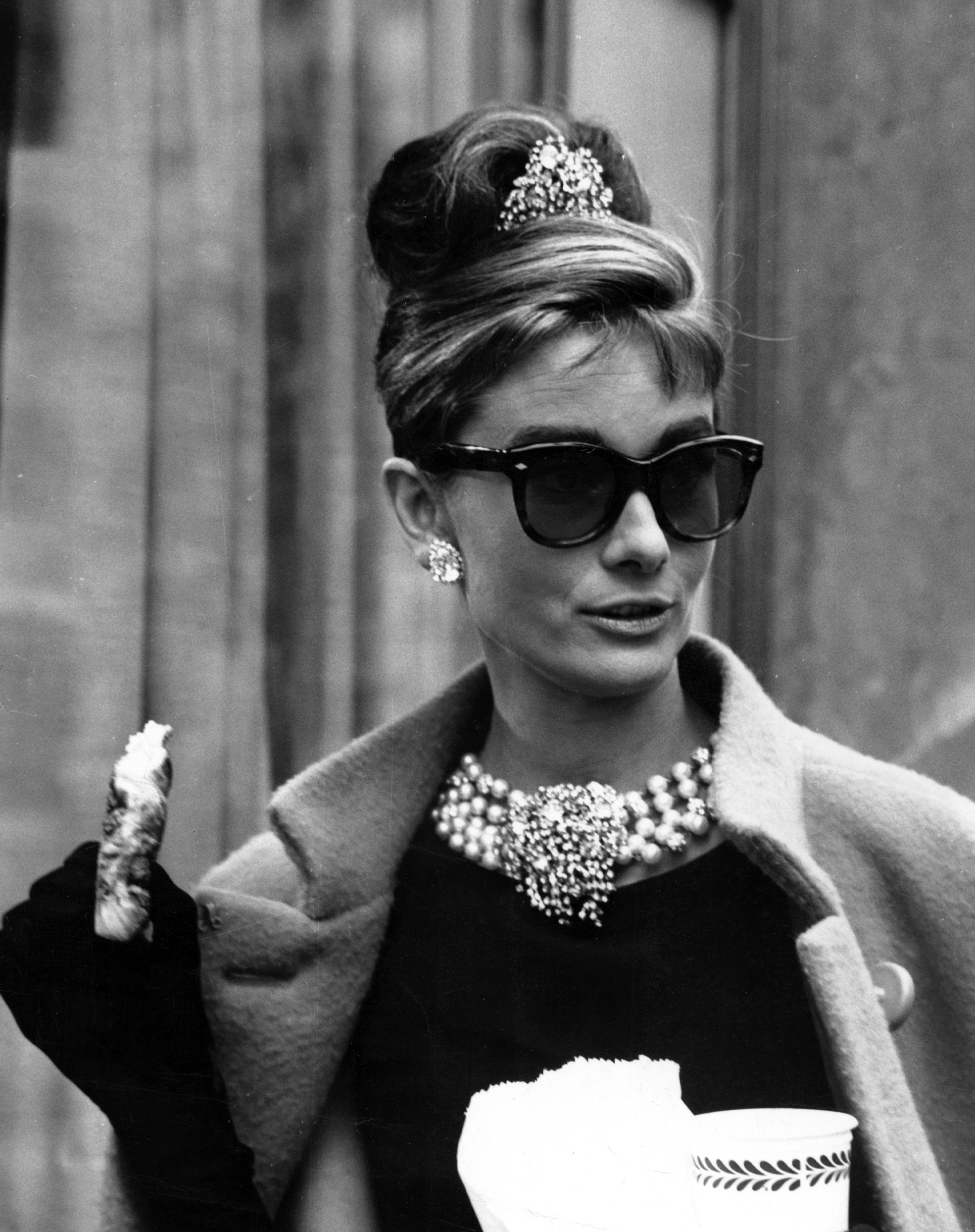 audrey hepburn breakfast at tiffany 39 s wearing fabulous