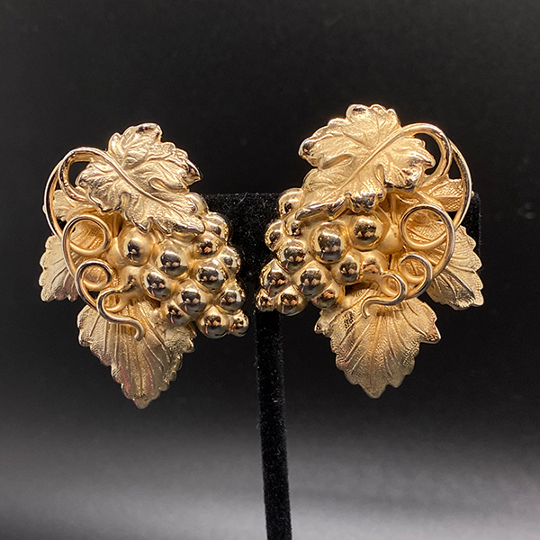 Fabulous Grape Leaf Motif Napier Earrings
