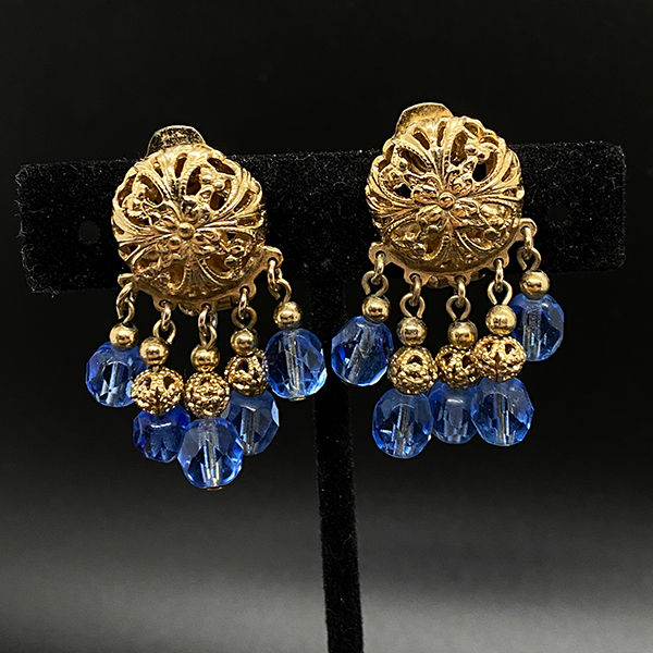 Vintage 1950s Napier Filigree Pendant Earrings with Faceted Crystals